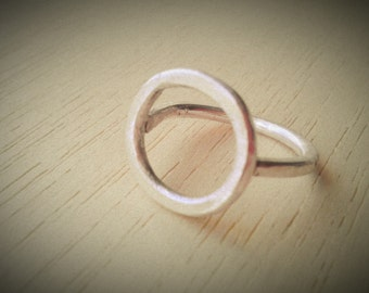Sterling Silver Circle Frame Ring