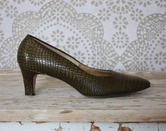 Vintage 1960's Miss Wonderful Faux Alligator Pumps 7.5 B