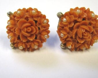 Vintage Coral Pink Resin Flower & Faux Pearl Non Pierced Earrings in Gold tone metal