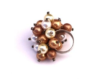 1960's Chunky Pearl Cluser Ring  /  Size 6