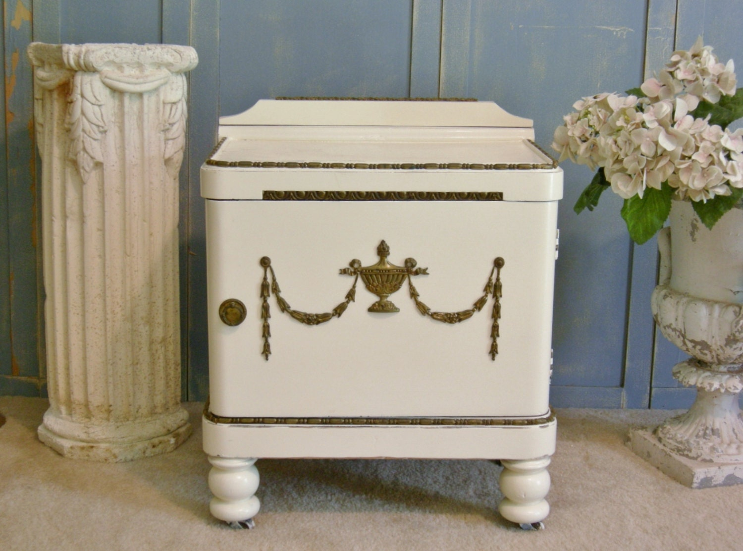 White nightstand end table bedside table ornae french antique for French nightstand bedside table