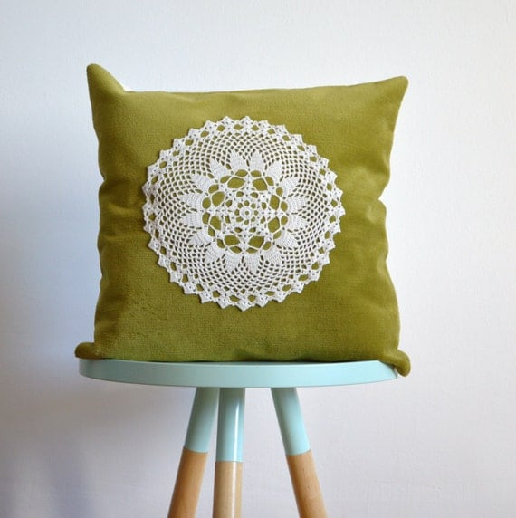 green velvet pillow cover with crochet lace - no.1