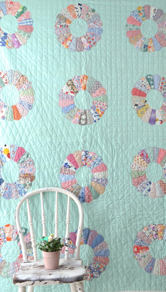 Vintage Quilt Dresden Plate Pattern Feedsack Fabric
