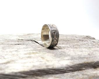 Vintage Bear Paw Ring Silver Band Navajo Symbol Size 5 1/2