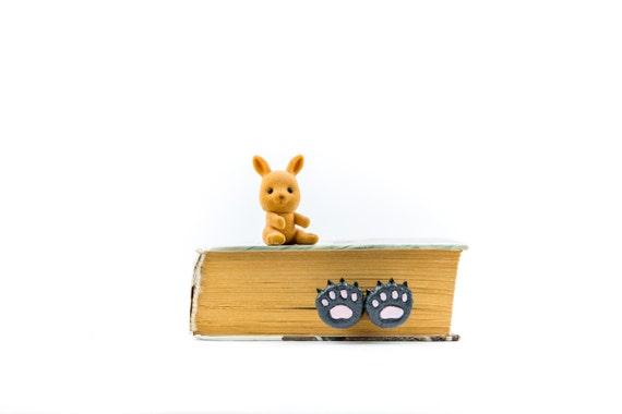 Bear paws bookmark. Animal bookmark