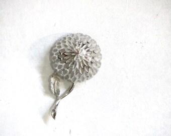 BSK Silver Mum Brooch Chrysanthemum Floral Pin Textured Silver Flower Lapel Scarf