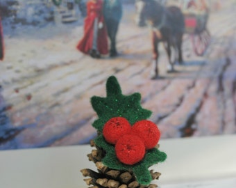 Christmas Holly berry felt brooch green leave and red berries Boutonniere for your Winter Wedding
