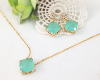 Bridesmaid Gift Set- Mint crystal necklace and earrings, stone in bezel,  wedding, bridesmaid necklace, glass stone