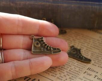 6 pcs Antique Bronze Converse Sneaker Shoe Charm 32mm (BC804)