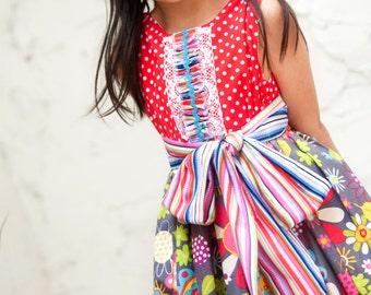 Girl Dress -  Holiday Dress - Christmas Dress - Dress Pattern - Children Clothing - Photography - Modern Children Fashion - Daisy - 2T to 8