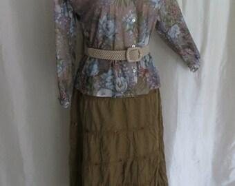 Vintage 70s womens blouse floral mocha pink blue lightweight long sleeve button down mandarin collar