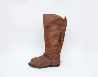 Vintage brown leather women 90s flat riding boots / caramel knee height chile deer hunter wild world