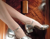 Silver Screen - 1940s Silver Evening Shoes. Size UK 6 1/2 -7, US 8 1/2 - 9