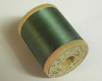 Belding Corticelli Pure Silk Hand Sewing Thread 100 Yd. Wooden Spool Shade 9784 Evergreen Color