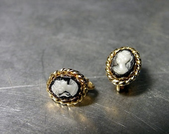 TINY Vintage CAMEO EARRINGS clips