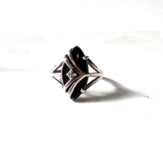 Vintage Sterling and Black Onyx Ring with Chevron Bands by JED