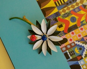 ORIGINAL BY ROBERT Enamel Green and White Daisy Pin with Lady Bug