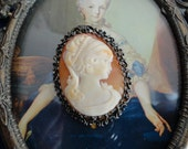 10% discount Sweet Shell Cameo in Silver wear Pendent or Brooch
