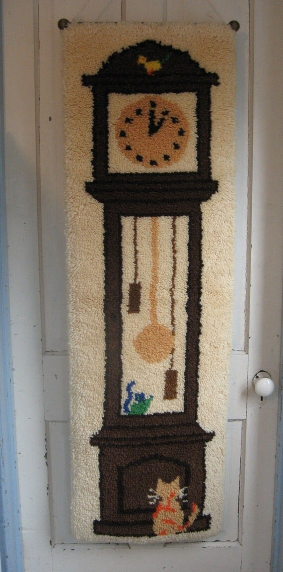 Vintage 1970 39 s latch hook wall hanging hickory dickory - Wall hanging grandfather clock ...