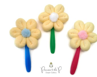 Washcloth Flower Lollipop w Baby Spoon Stem - Diaper Cake, Washcloth lollipop, flower baby shower, centerpiece, baby gift,Baby Shower Favors