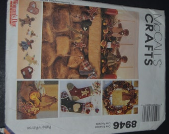 McCalls 8946 Gingerbread Christmas Sewing Pattern - UNCUT