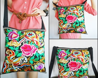 Beautiful Large Bag, Embroidered fabric Vintage Style, Handmade, Hill Tribe in Thailand. (KP1233)