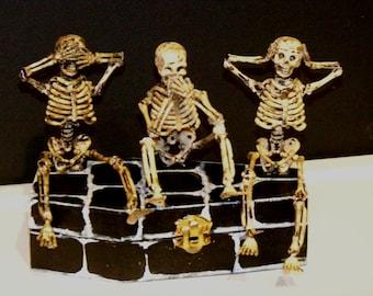 See no evil, Speak no evil, Hear no evil skeleton box