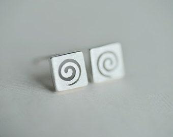 925 Sterling Silver Square Swirl Matter Silver Stud Earrings 090