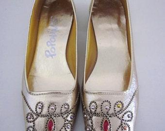 POPOLINOS Jeweled 60s flats // 6 1/2 M // Metallic Gold // Vintage 60s 196d // Studs  Rope Trim Jewels