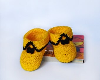 Yellow and Black crochet baby booties, baby girl and boy booties, shoes with bow for him and her