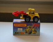 Matchbox Lesney Superfast No 29 Bright Yellow CAT Shovel Tractor