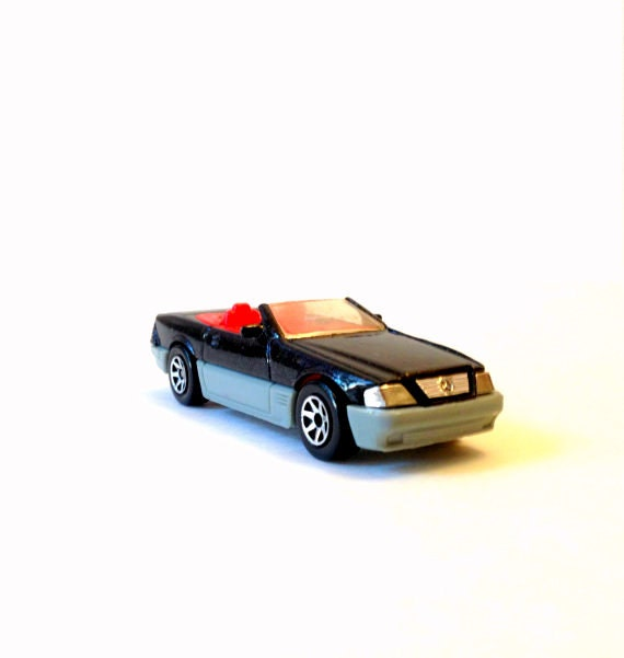 Mercedes benz 500 sl convertible vintage 1989 hot wheels for Mercedes benz truck toys