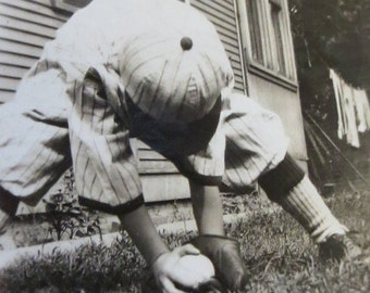 Athletic 1920's Cute Little Baseball Player Fields The Ball Snapshot Photo - Free Shipping