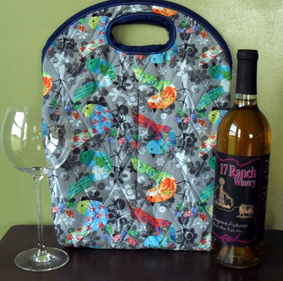 Quilted wine tote bag in colorful bird print cotton grey blue