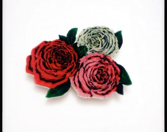 Tricolor Rose Bouquet Magnetic Pin - Wearable Roses Colour Illustration Brooch