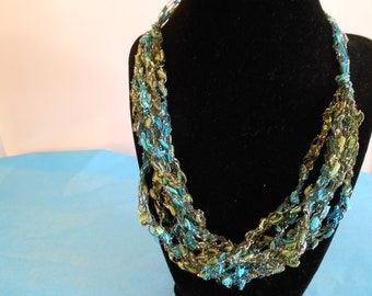 Trellis Necklace/ Crochet Necklace Item No. 123a