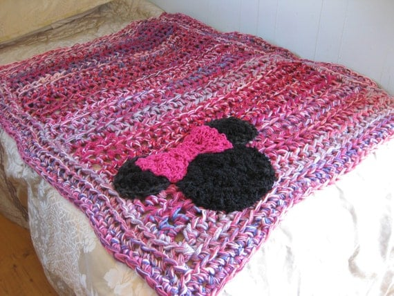 Crochet Pattern For Minnie Mouse Blanket : Items similar to Blanket, Mouse crochet blanket, pink and ...