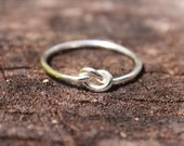 Sterling Silver Love Knot Ring, Bridesmaid Jewelry, Tie the knot ring, Friendship Ring Celtic knot