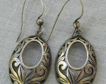 ViNTaGe FILIGREE EARRINGS STERLING SiLVeR HooP DaNGLE PuFFY DeSiGN