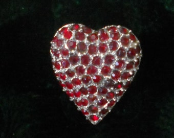 SALE   Vintage 1970's Red Rhinestone Heart Brooch, Perfect Valentine Gift