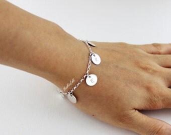 Family Monogram Bracelet, 1 2 3 4 5 6 Initial Charm Bracelet, Letter Disc Bracelet, Personalized Mothers Jewelry, Grandma Bracelet