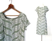 Vintage 50s Dress / Sage Green Embroidered Dress / 1950s Dress / 1950s Green Dress / M L