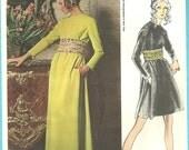 Vogue 2219 / Vintage Designer Sewing Pattern By Oscar de La Renta / Dress Gown / Size 14 Bust 36