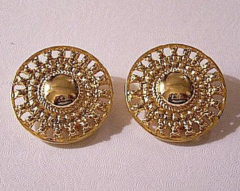 Open Beaded Disc Clip On Earrings Gold Tone Vintage Slotted Edge Round Center Twisted Rope Raised Nail Heads