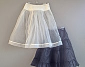 1950s Petticoat Crinoline Skirt, 3 Button Closure, Lace Overlayed Yoke, 1950s Boudoir, Perfect for Pin-Up Photo Shoot, Sz M, Waist up to 30""