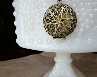 Locket Necklace - Antique brass locket- Filigree locket- Spring accessory- Photo locket- Round locket- Fashion