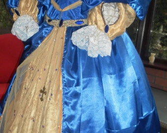 Custom made Medieval gown Anne Bolyne Tudor queen princess stage party banquet faire reinactment