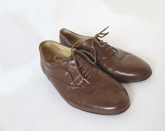 70s Vintage Brown Leather Brogue Women's Shoes / Flats (EU 41) ( US 10) UK8