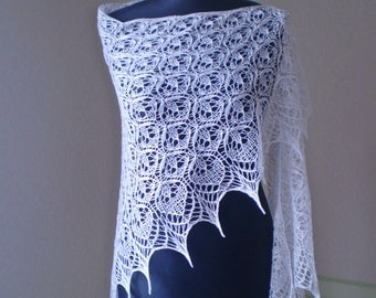 Hand knitted triangular lace shawl, Estonian stitch pattern,  MADE TO ORDER
