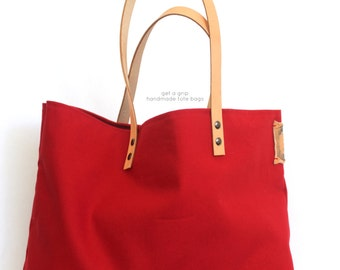 VINTAGE tote... Red... PERSONALIZED LABEL
